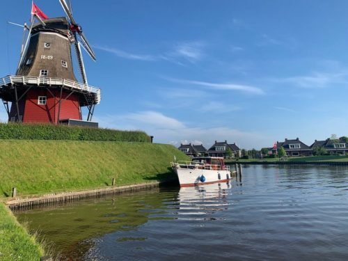 Huur Lobke voor je bootvakantie in Friesland - Molen Dokkum